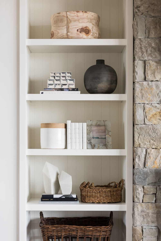 mountain-lake-house-living-room-bookshelf
