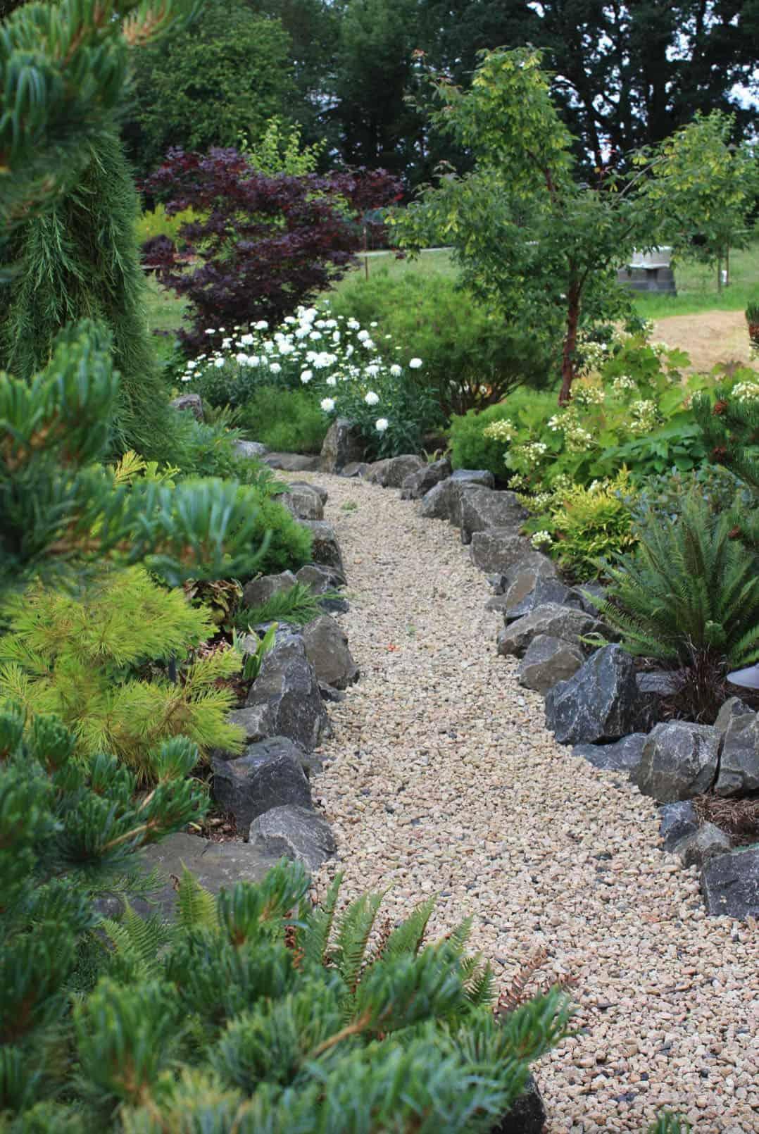 rock-garden-design-pathway