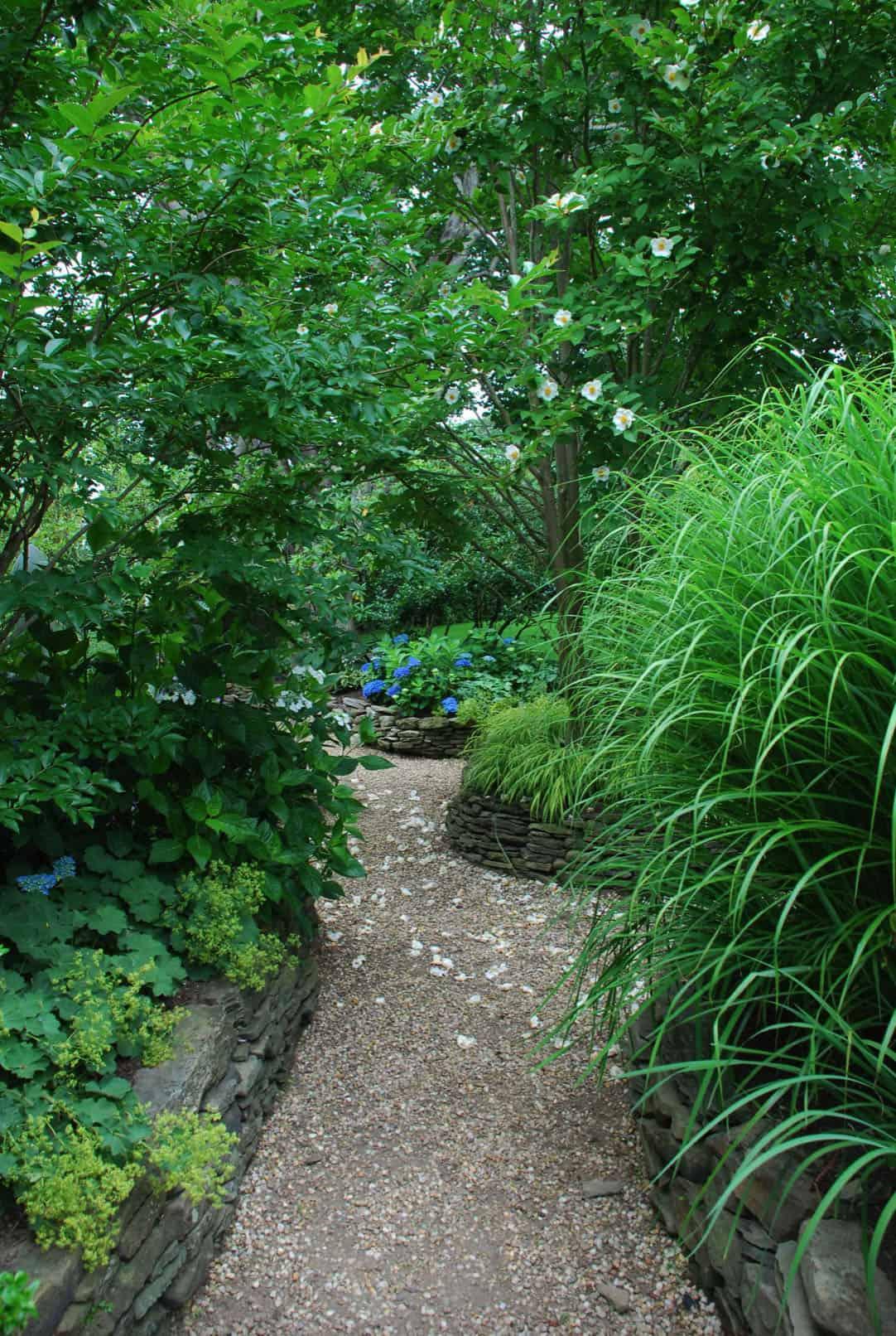 rock-garden-pathway