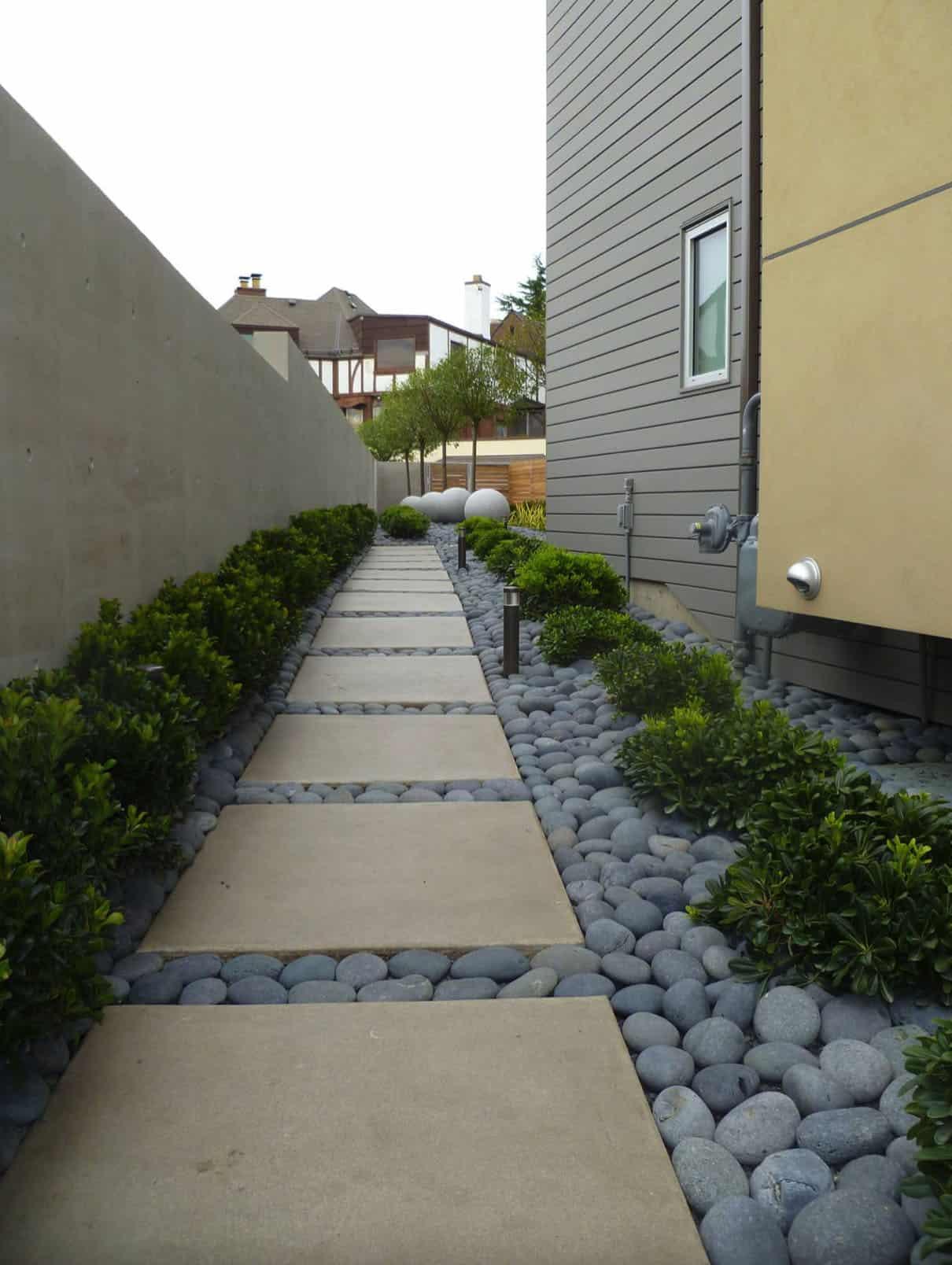 side-yard-rock-pathway