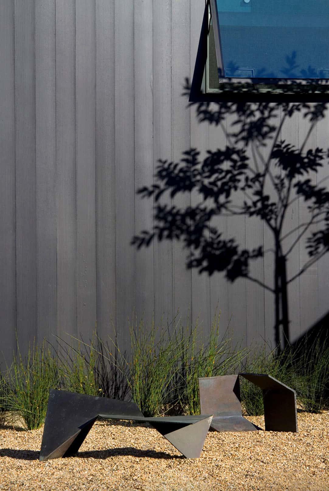 farmhouse-cedar-plank-wall-detail