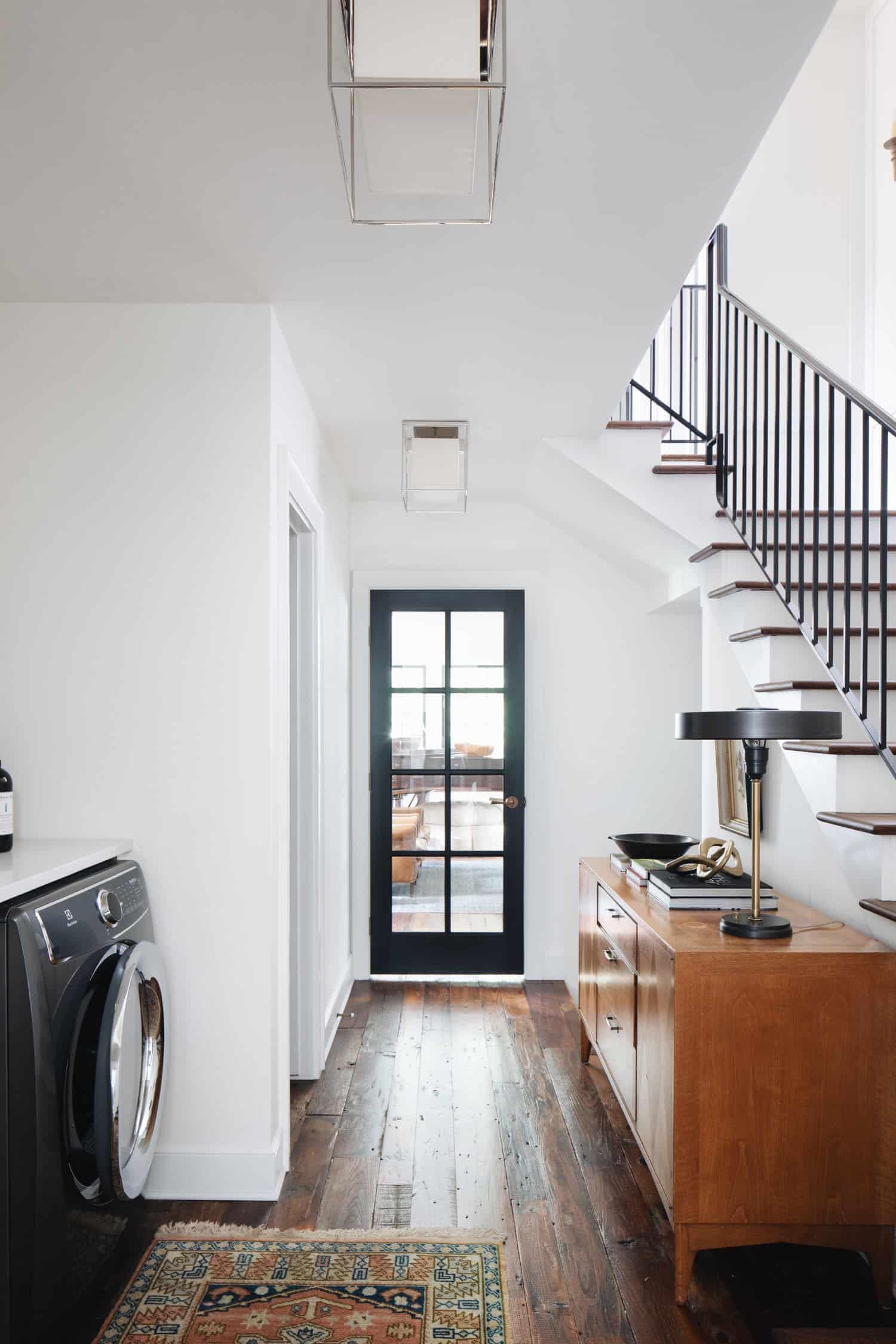 praonica-soba-hodnik-stubište u tradicionalnom stilu