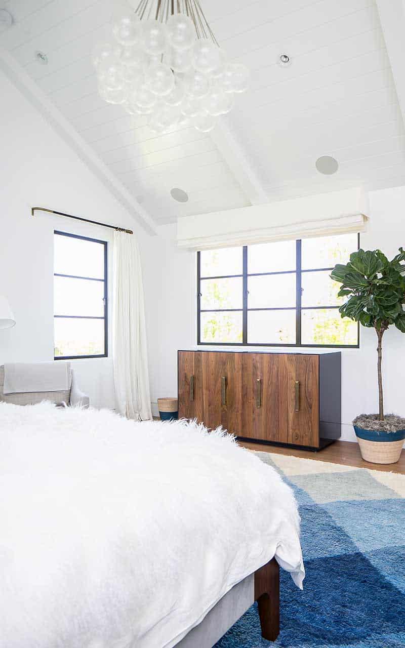 moderno opremljena spavaća soba sredinom stoljeća