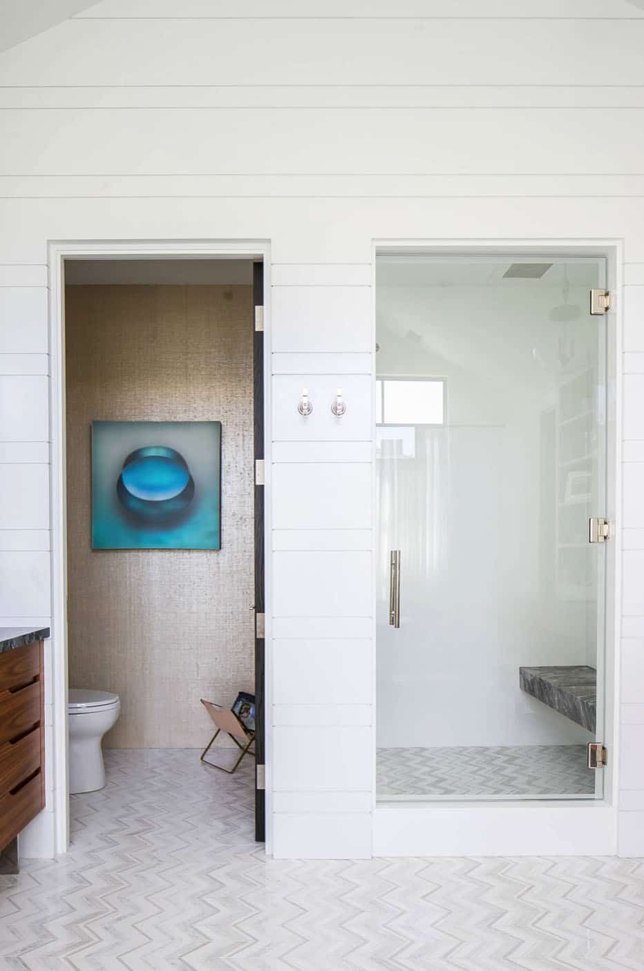 moderno uređena kupaonica iz sredine stoljeća