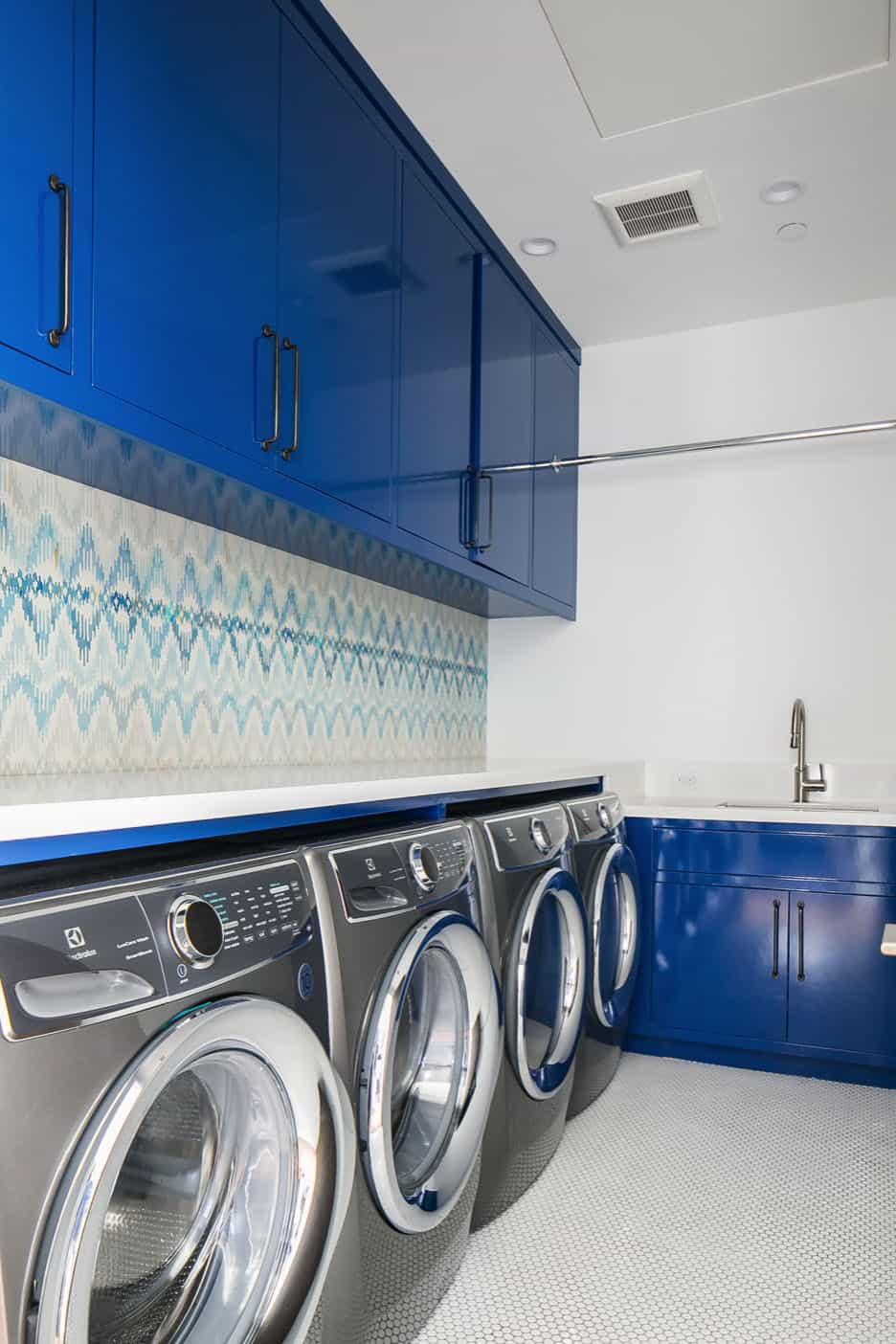 moderna-praonica rublja sredinom stoljeća