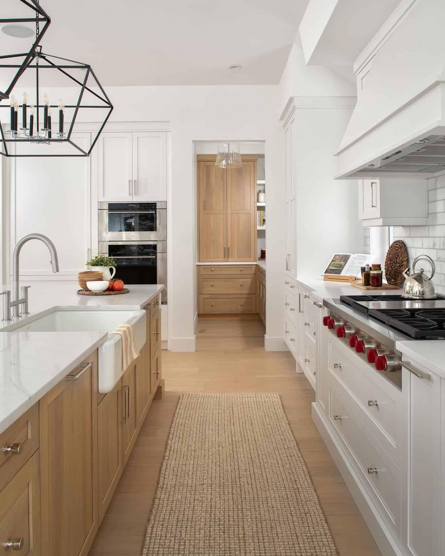 timeless-modern-farmhouse-kitchen