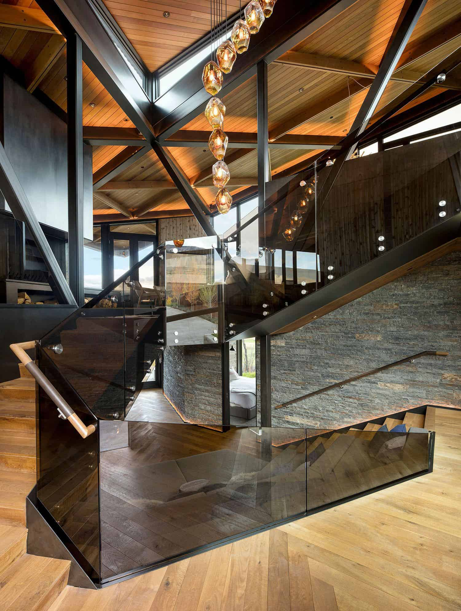 mountain-retreat-staircase