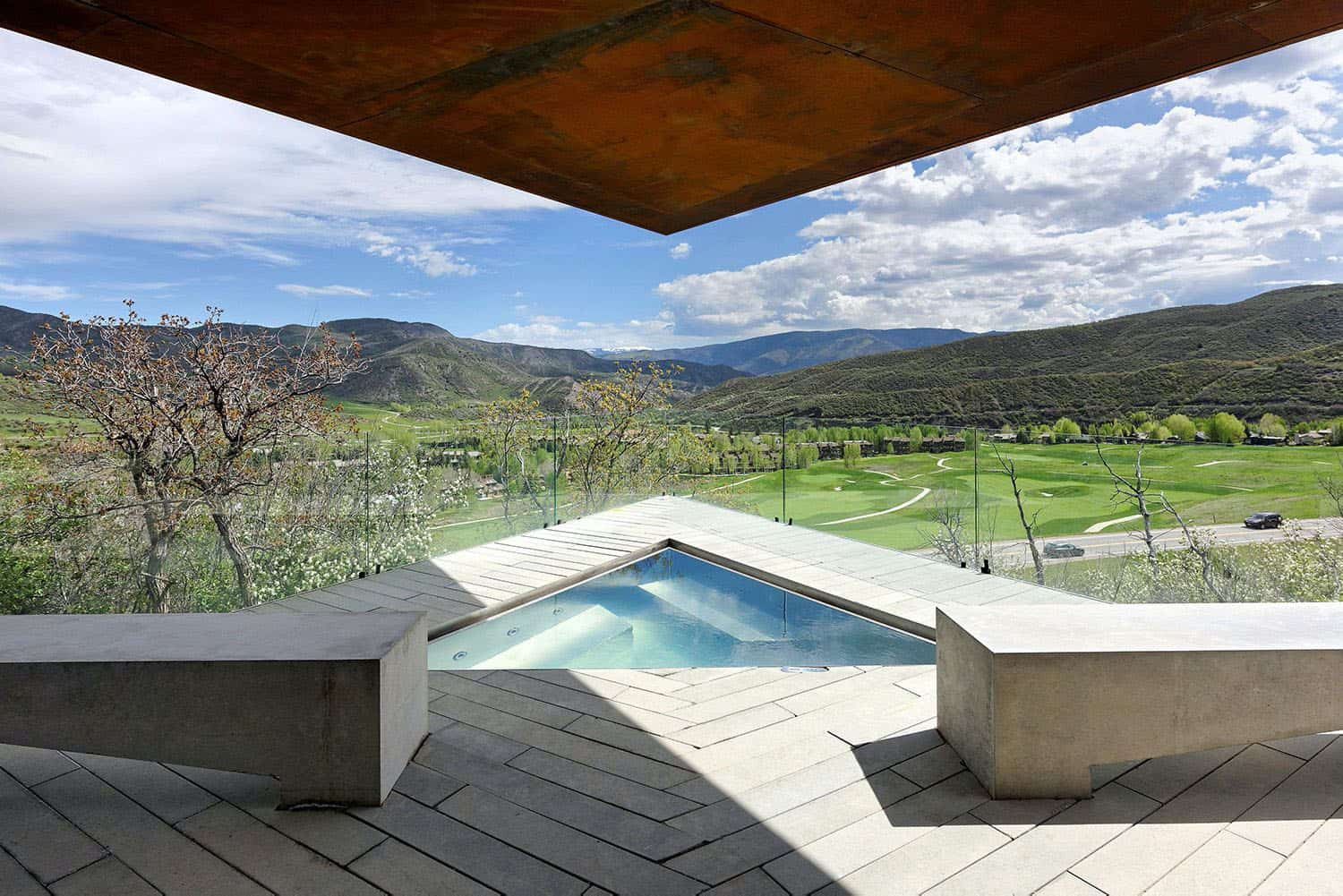 mountain-retreat-swimming-pool