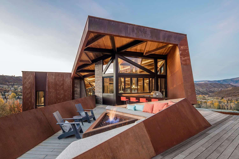 mountain-retreat-patio