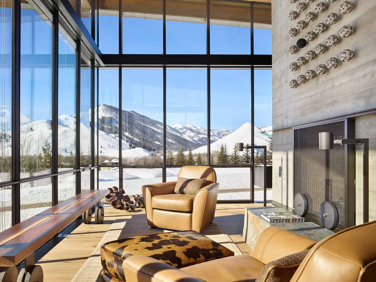 mountain-modern-family-room