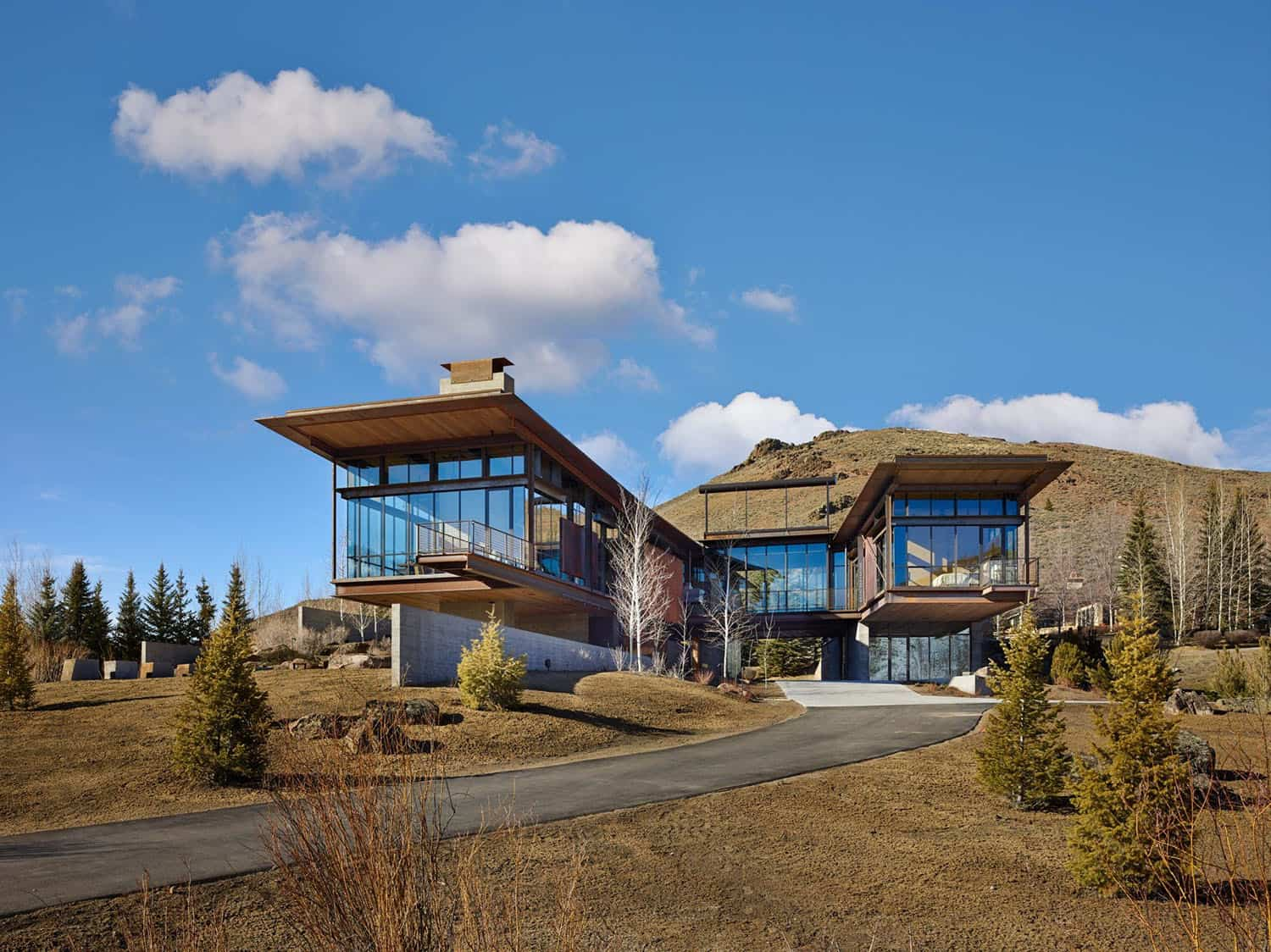 mountain-industrial-home-exterior