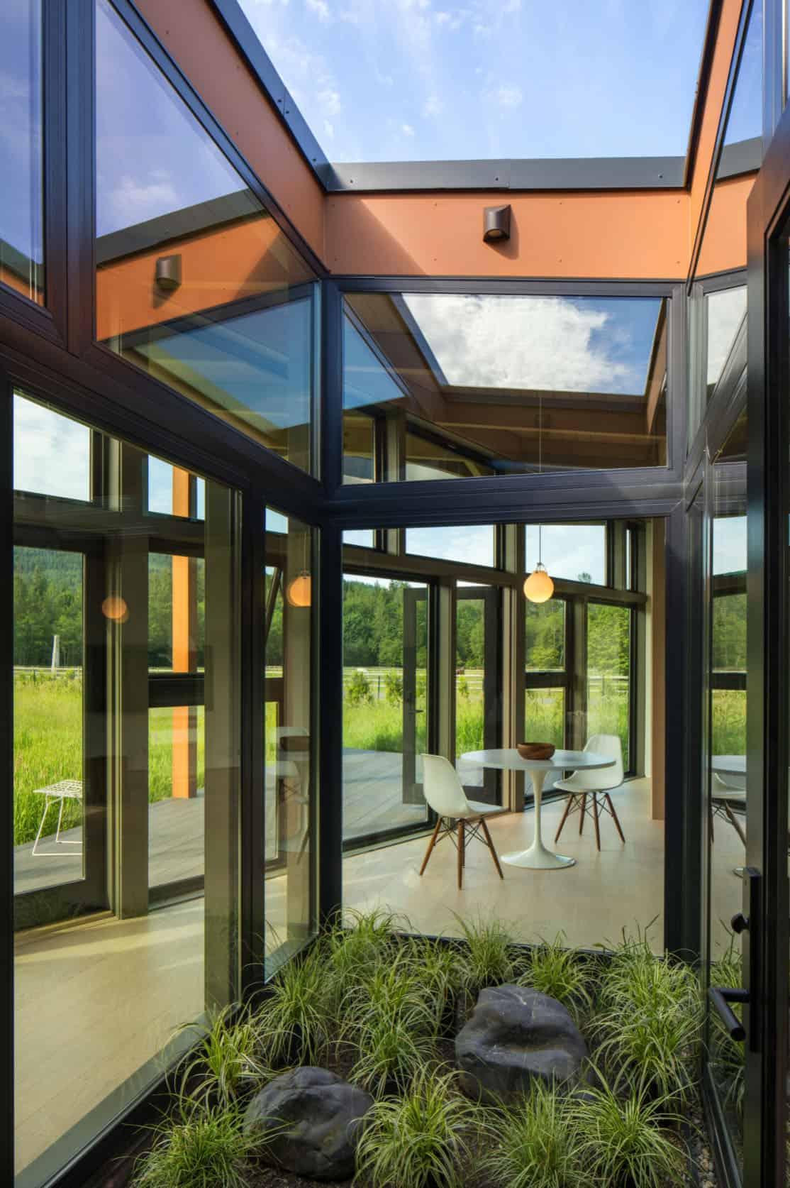 interior-courtyard-modern-landscape