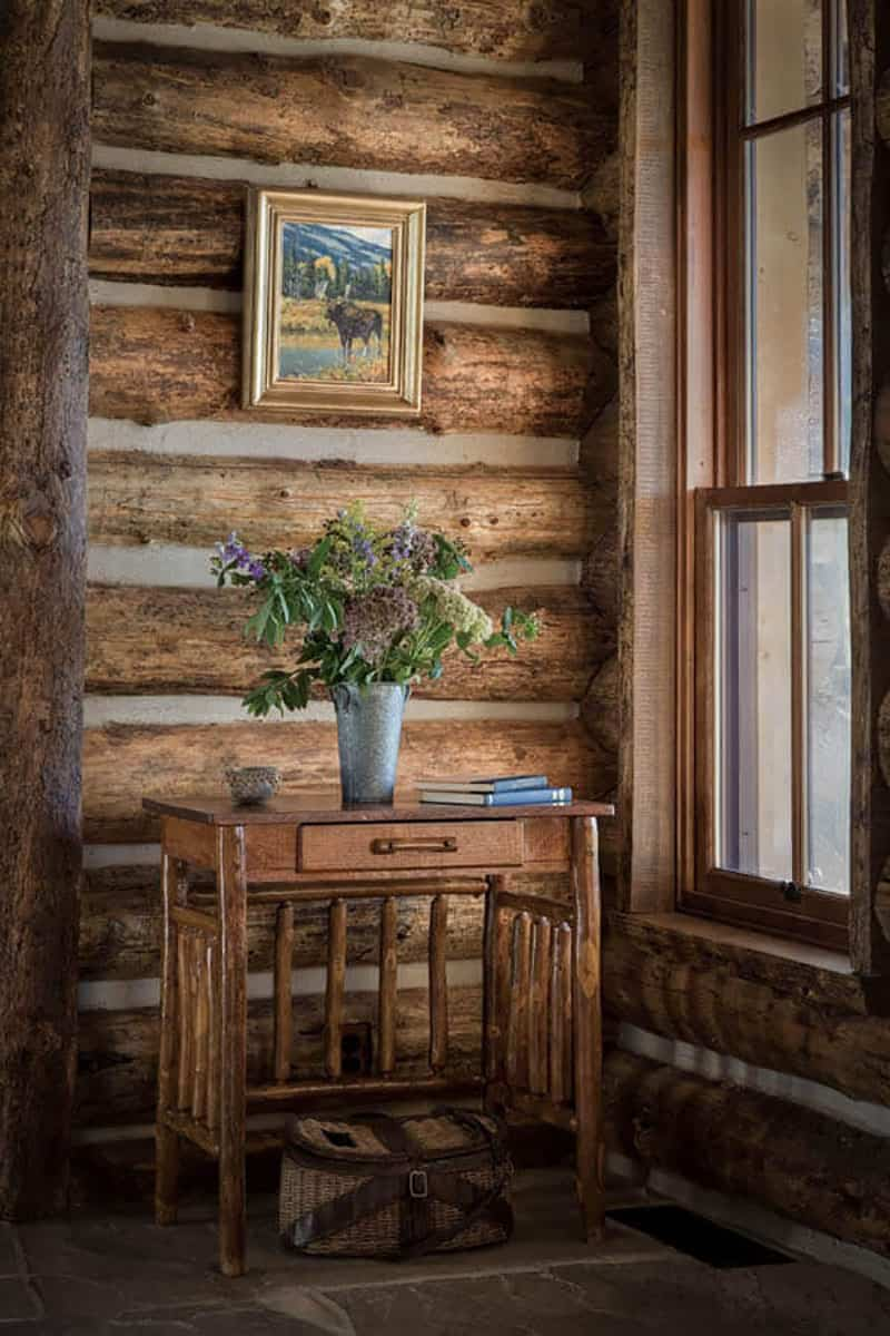 rustic-ranch-house-retreat-entry