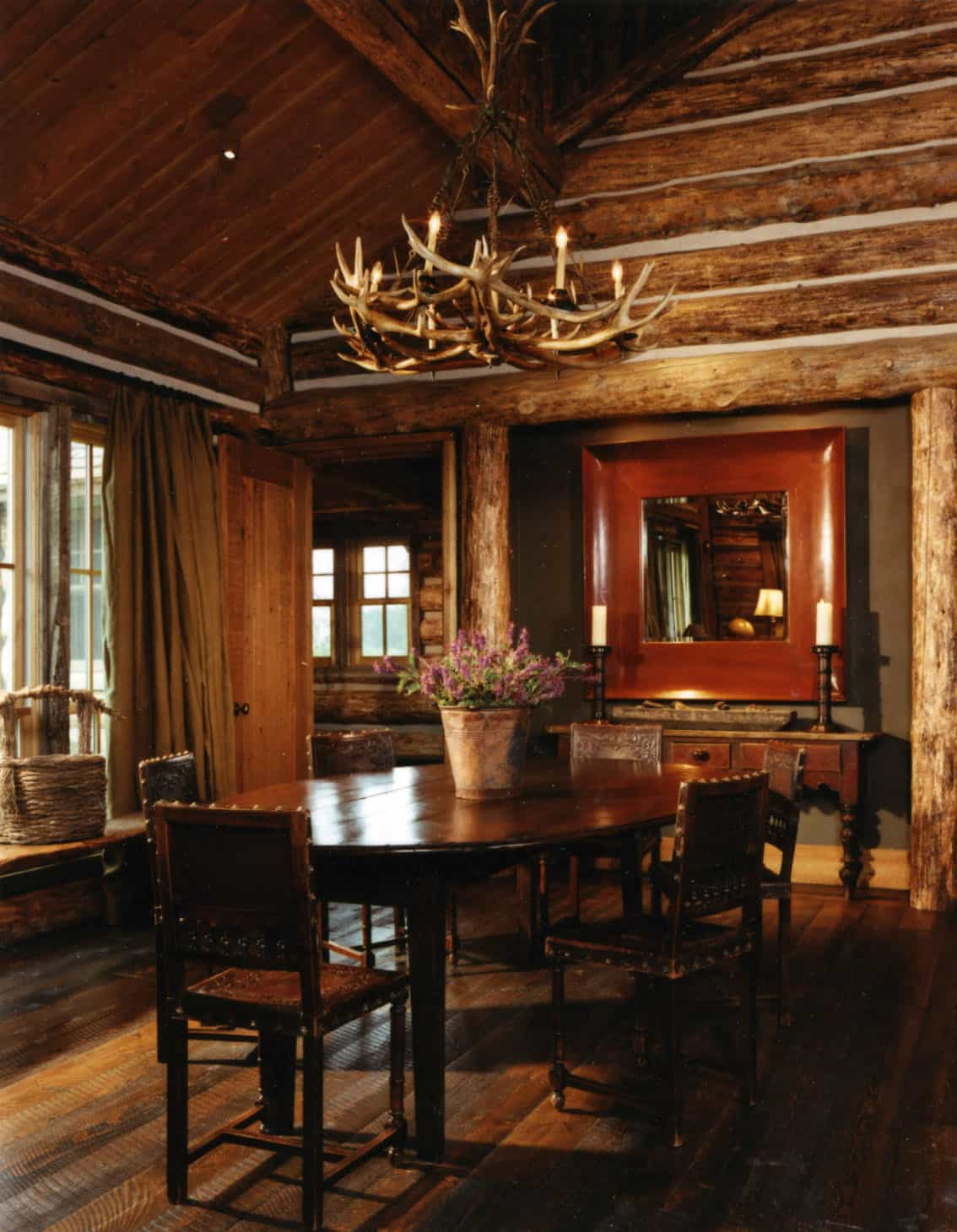 rustic-guest-cabin-dining-room