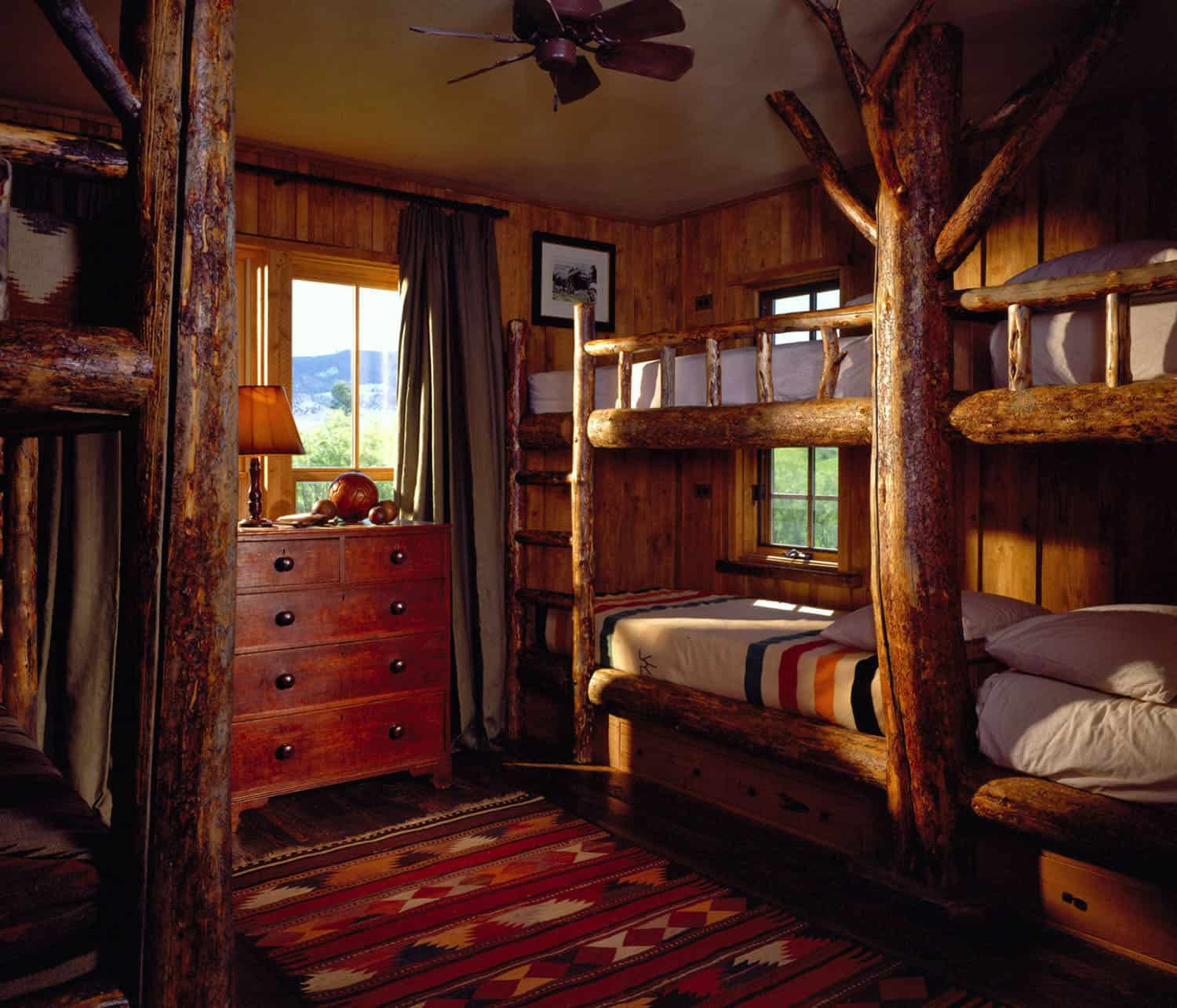 rustic-bunkhouse-bunk-room