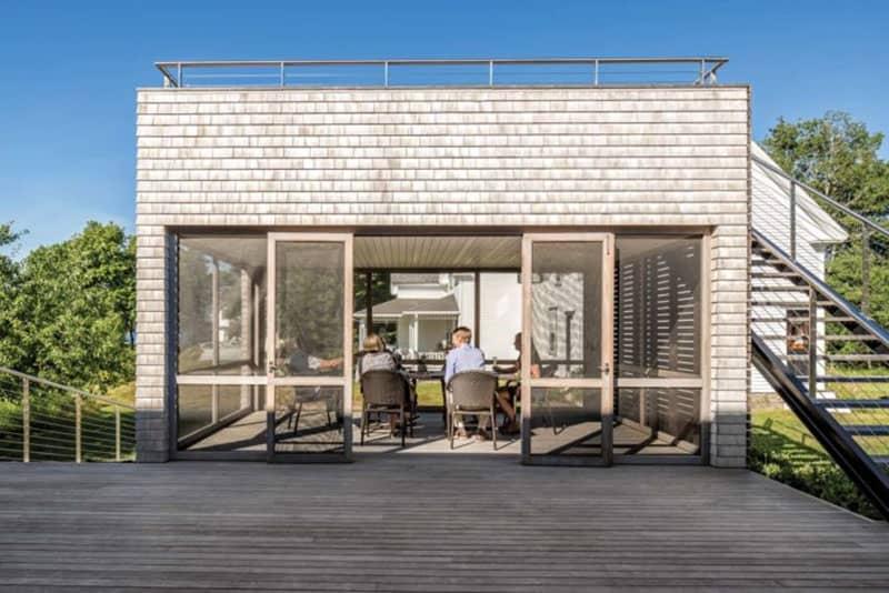 moderna-seoska kuća-zasjenjena-trijem