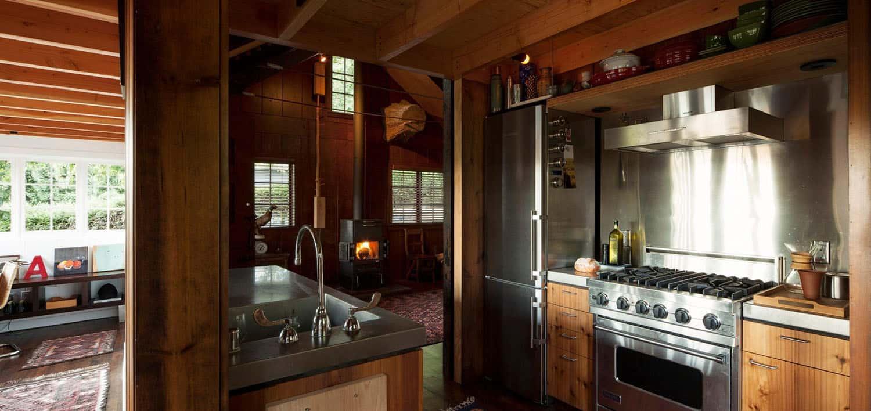 small-cabin-kitchen