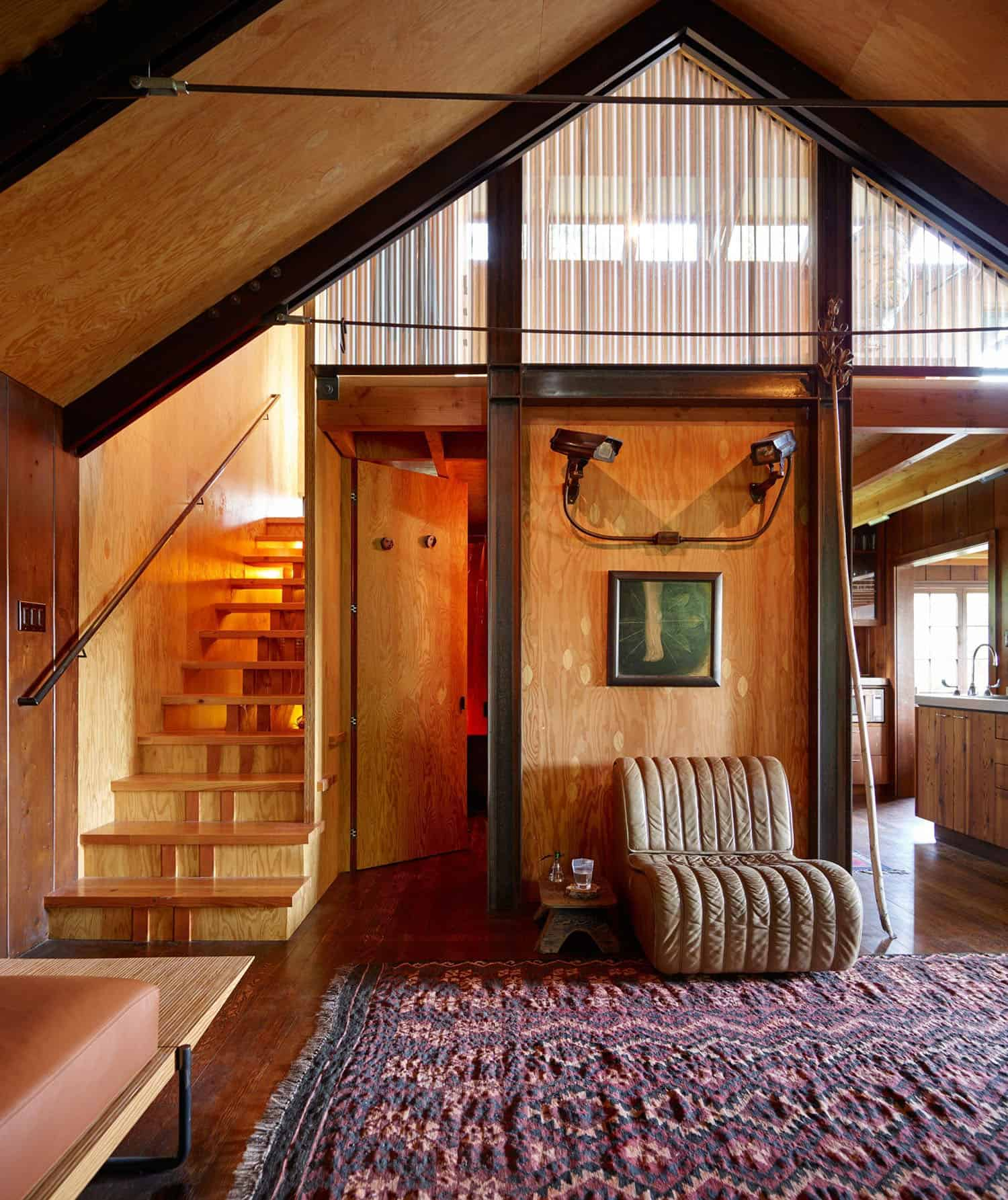 small-cabin-living-room