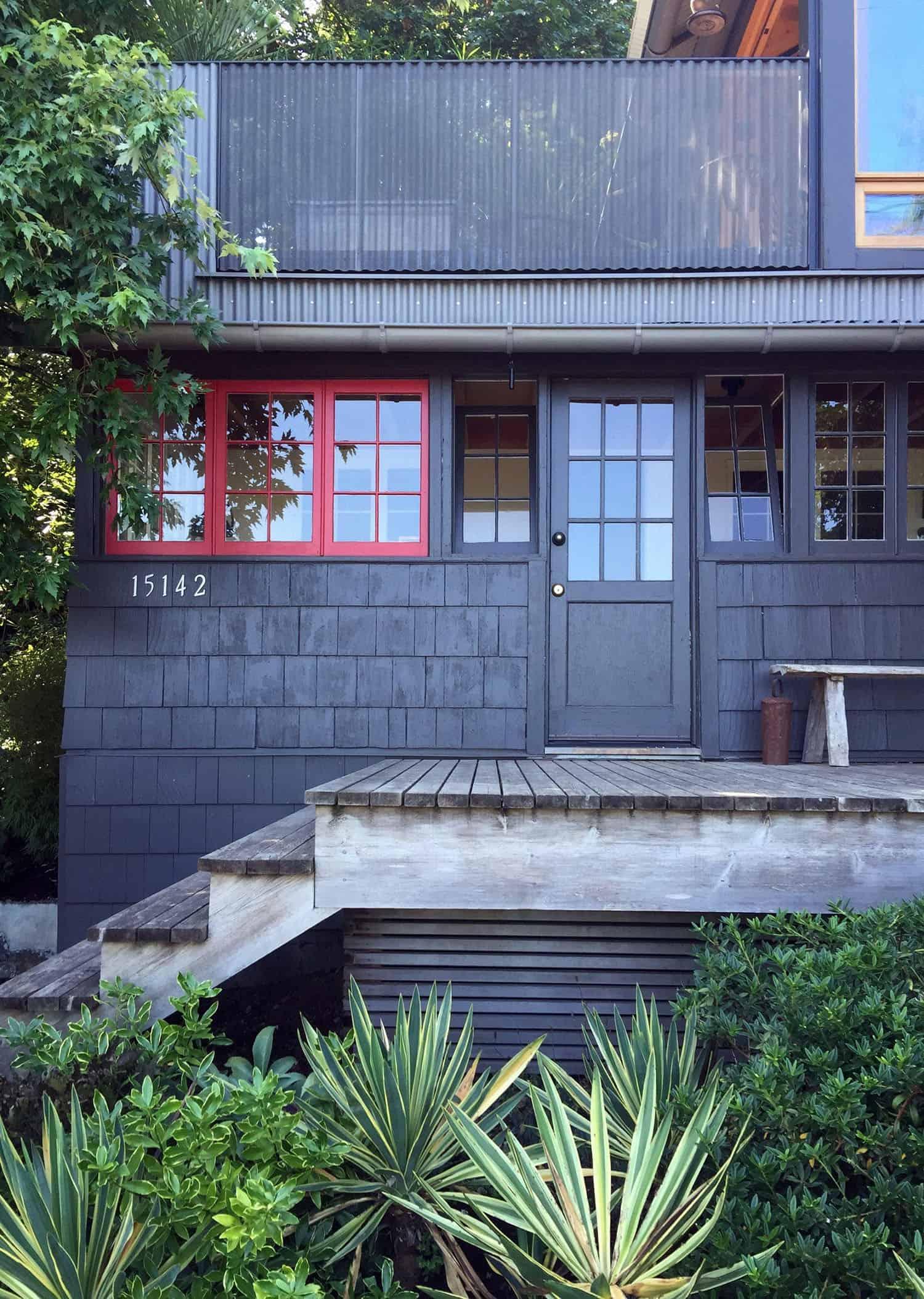 renovated-cabin-retreat-exterior