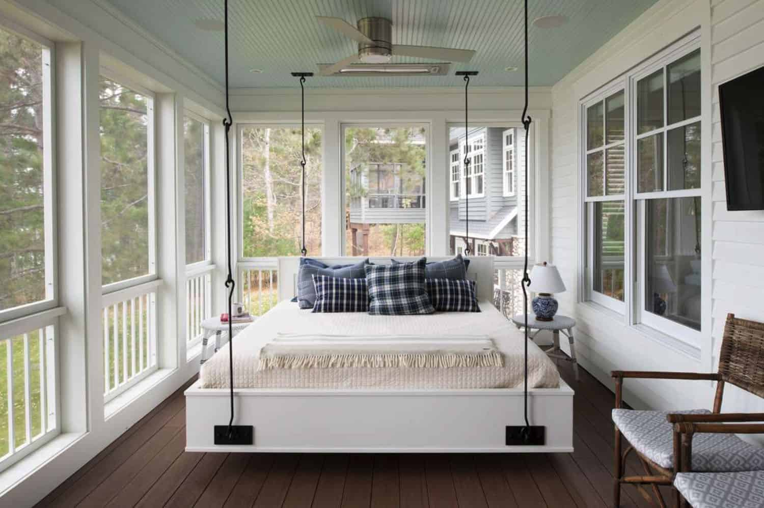 screen-porch-design-hanging-daybed