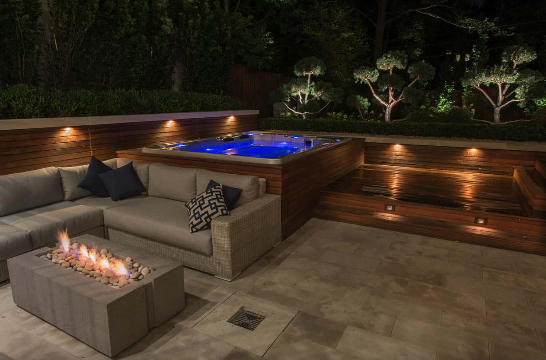 outdoor-hot-tub-idea