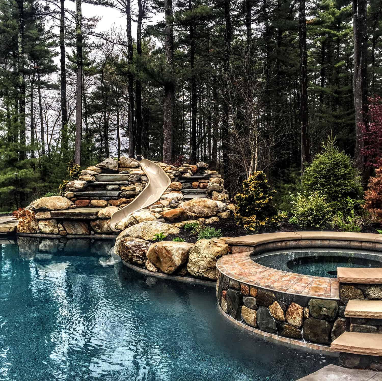 outdoor-jacuzzi-pool-idea