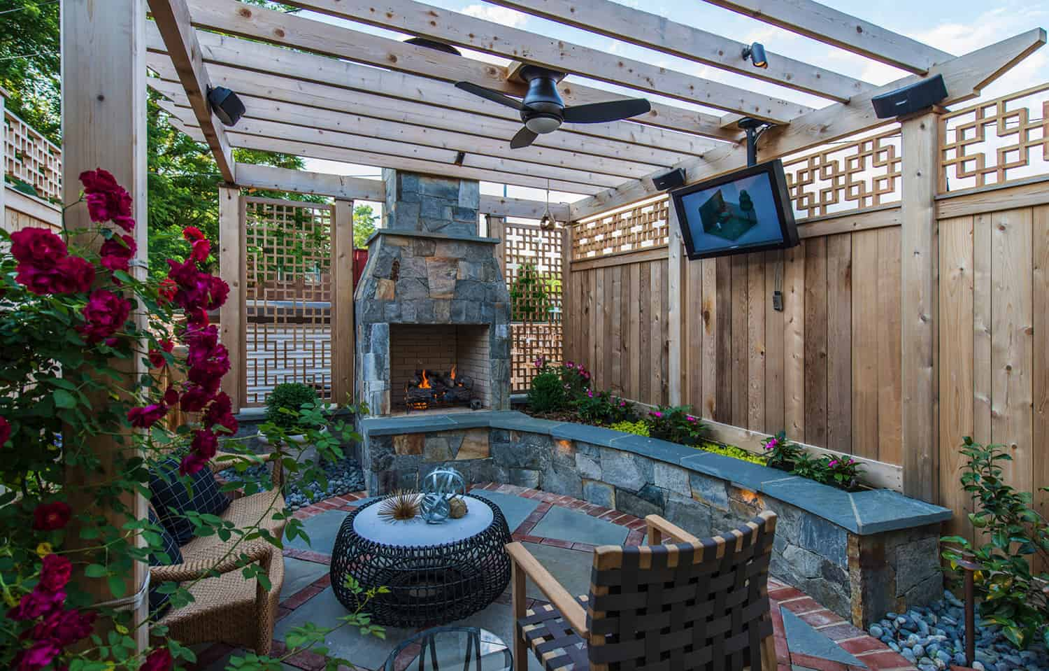 enclosed-fireplace-area-with-a-pergola