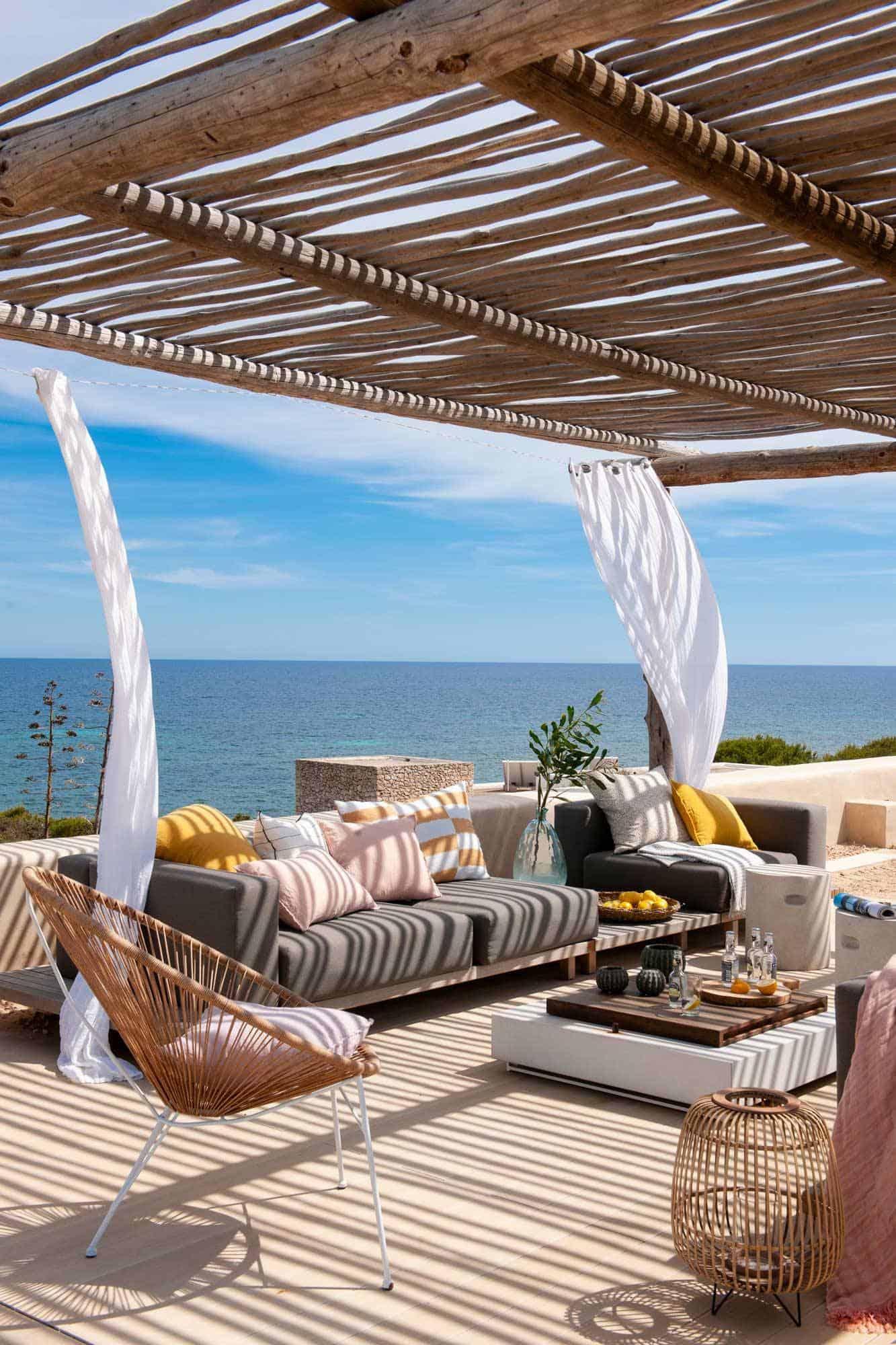 pergola-design-ideas-with-view-of-mediterranean-sea