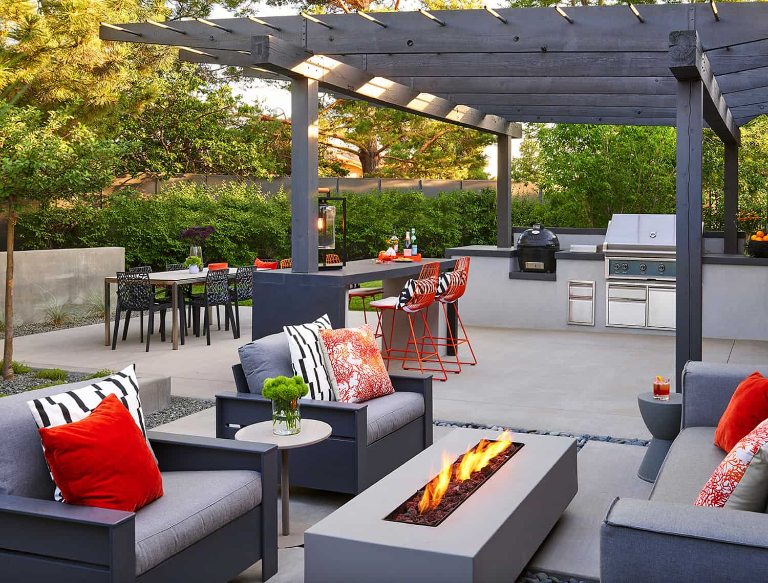 midcentury-pergola-outdoor-bar-kitchen-with-a-fireplace