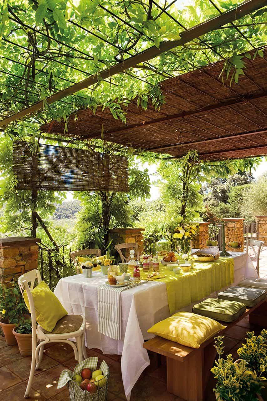 pergola-idea-shading-outdoor-dining-room