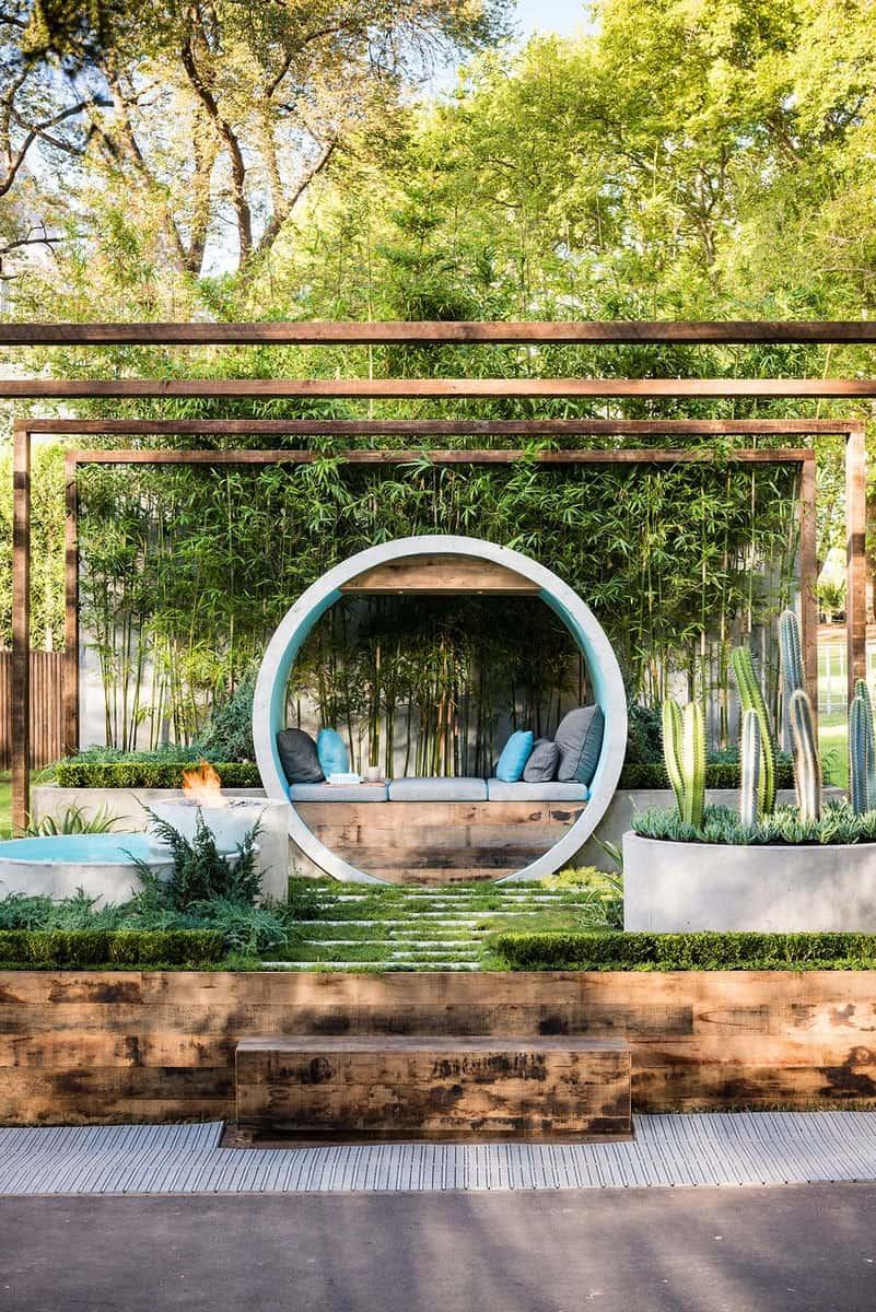 pergola-in-a-garden