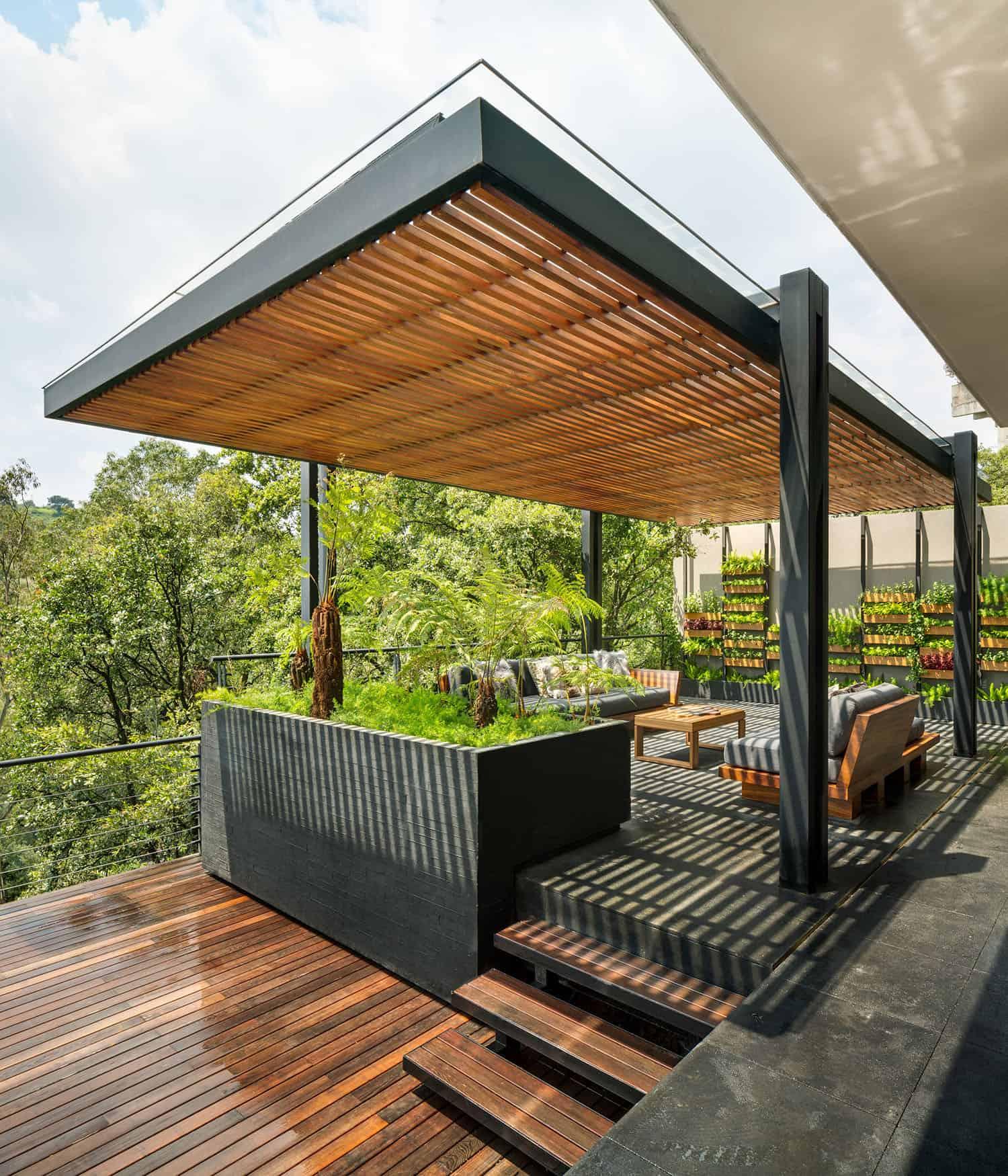 vertical-garden-design-with-a-pergola