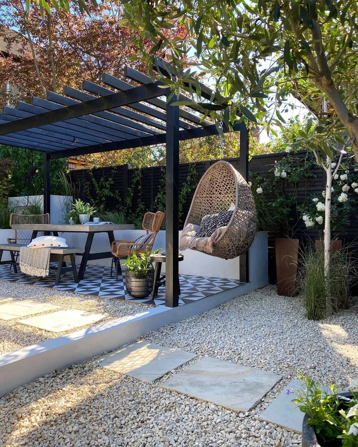 pergola-over-a-patio-with-a-hanging-chair