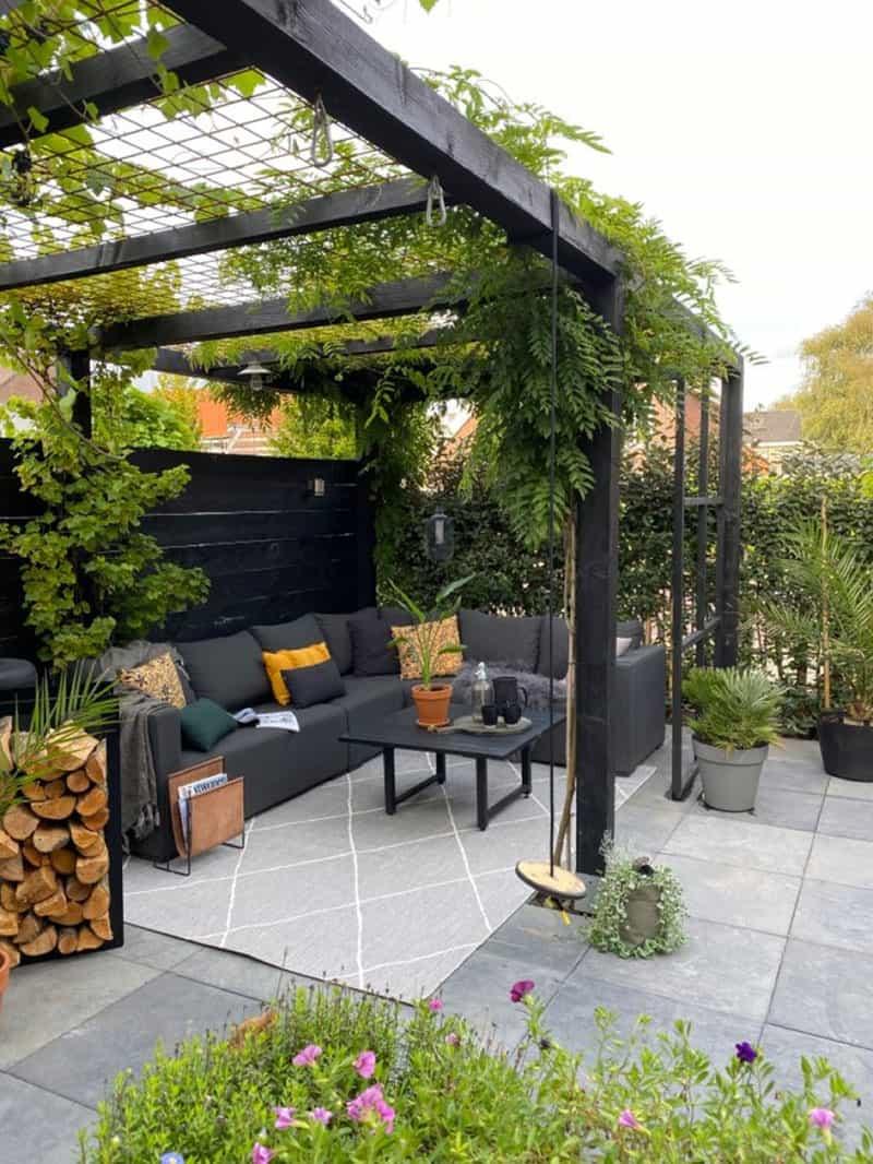 pergola-patio-with-plants