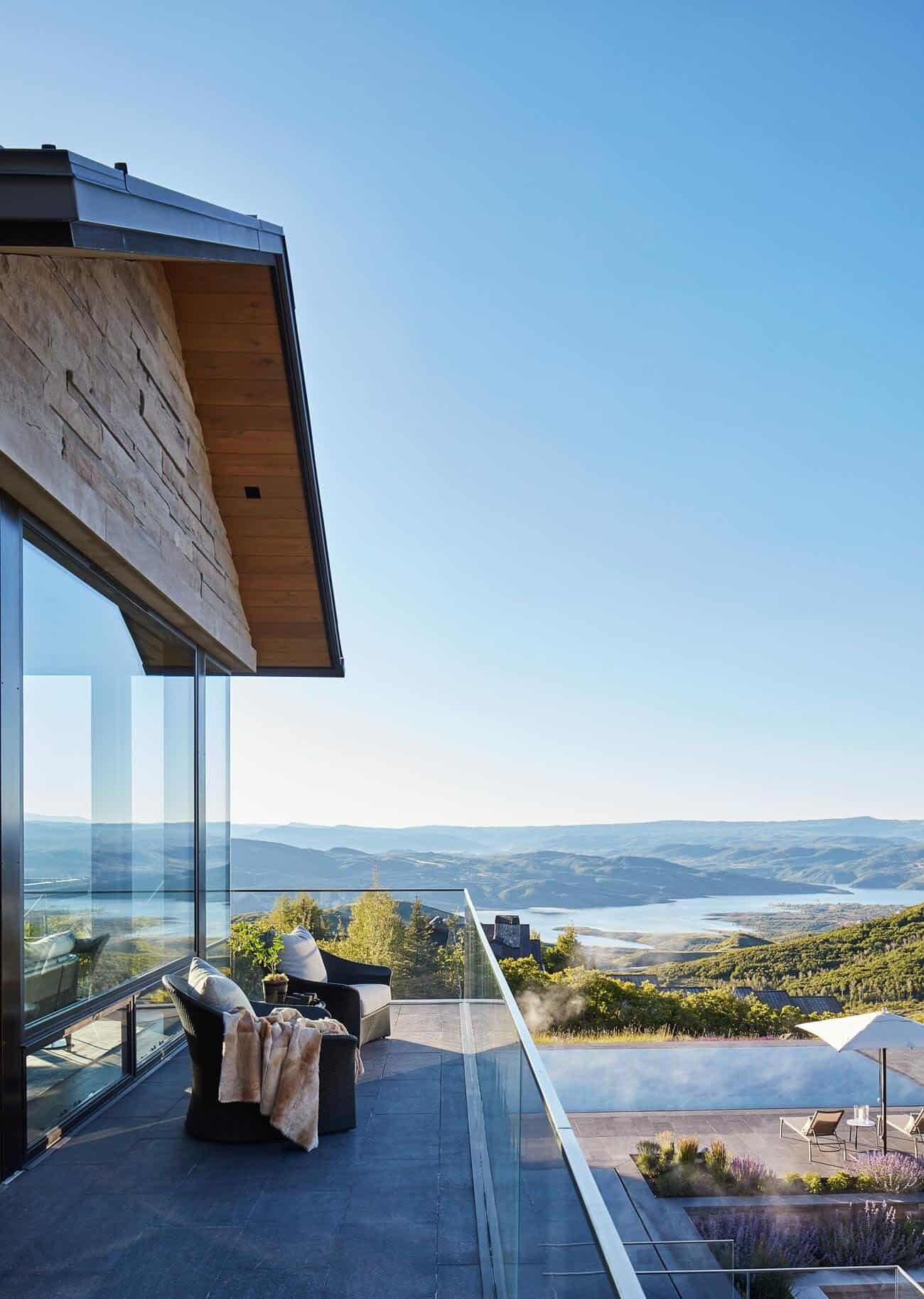 contemporary-mountain-home-balcony