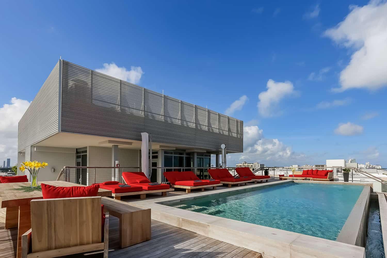 suvremeni penthouse-bazen
