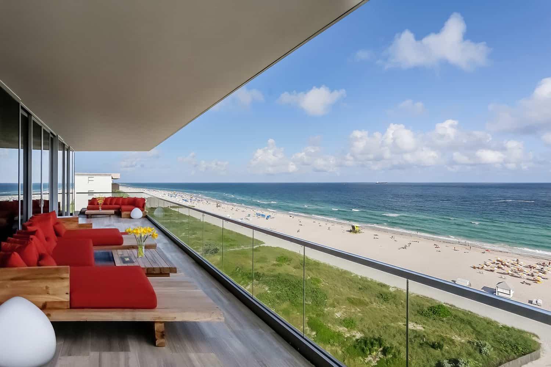 contemporary-penthouse-balcony
