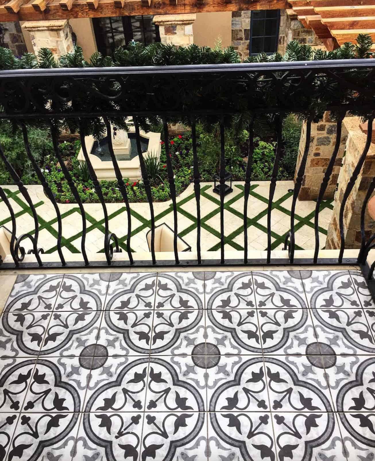 french-villa-balcony