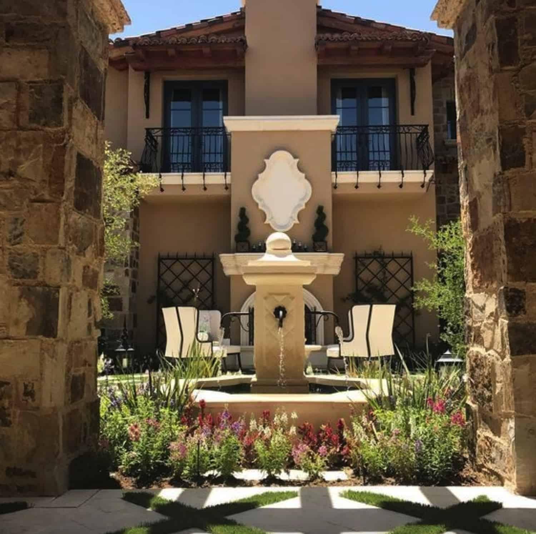 french-villa-courtyard-patio