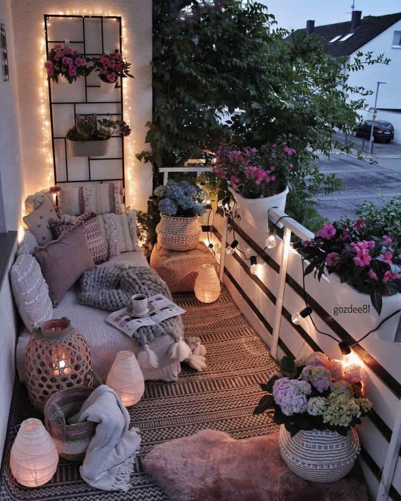 bohemian-chic-outdoor-balcony