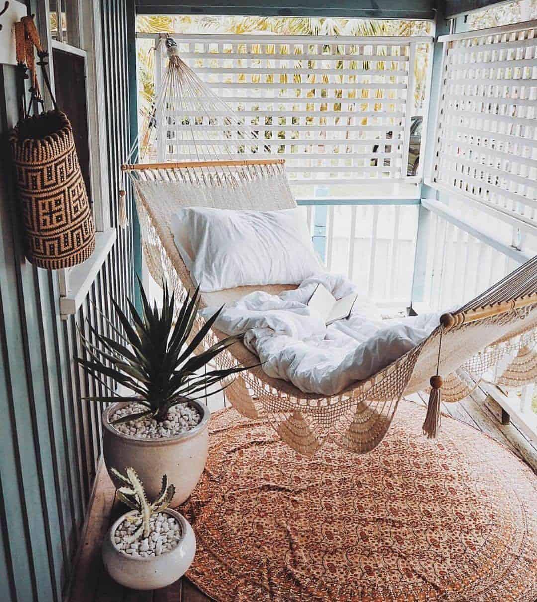 bohemian-porch-hammock-idea