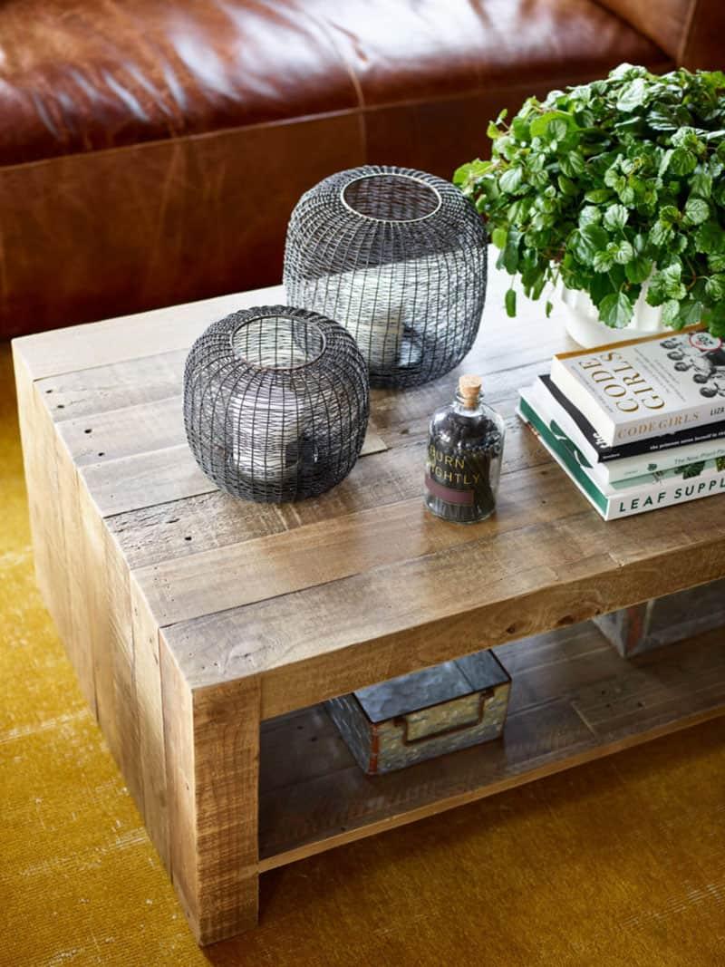 farmhouse-living-room-coffee-table-detail
