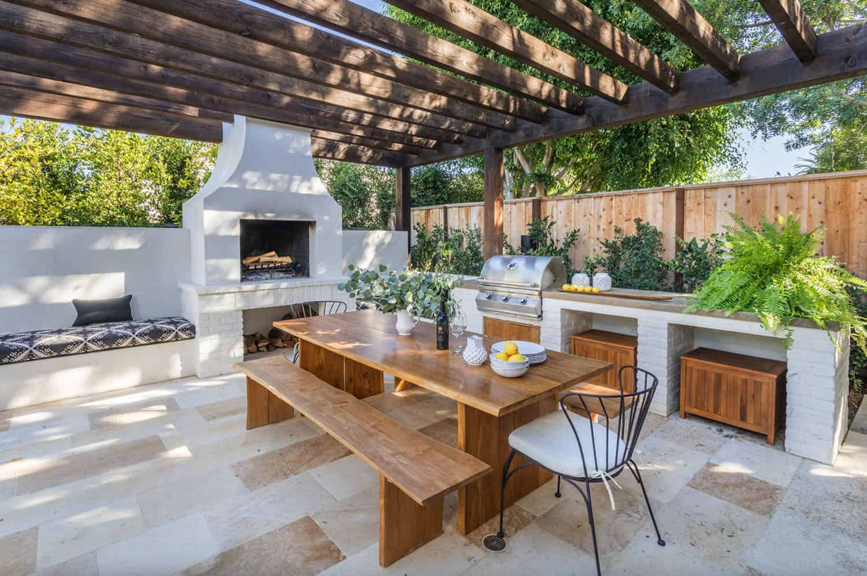 outdoor-dining-pergola-fireplace