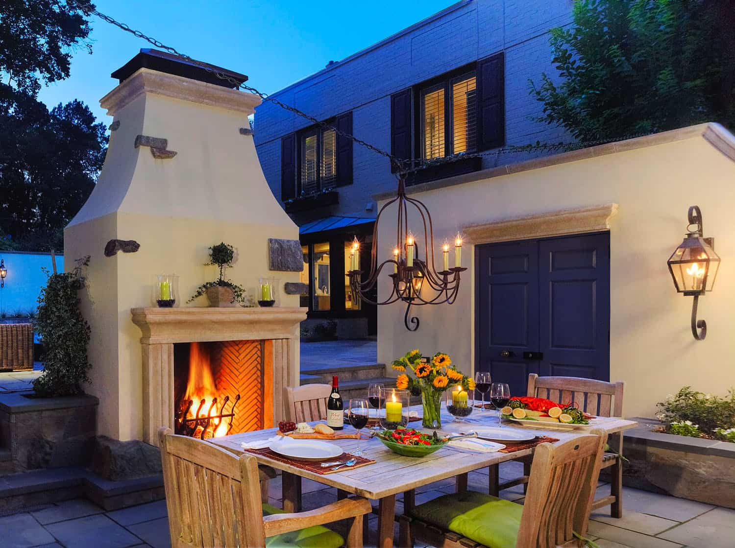 outdoor-dining-space