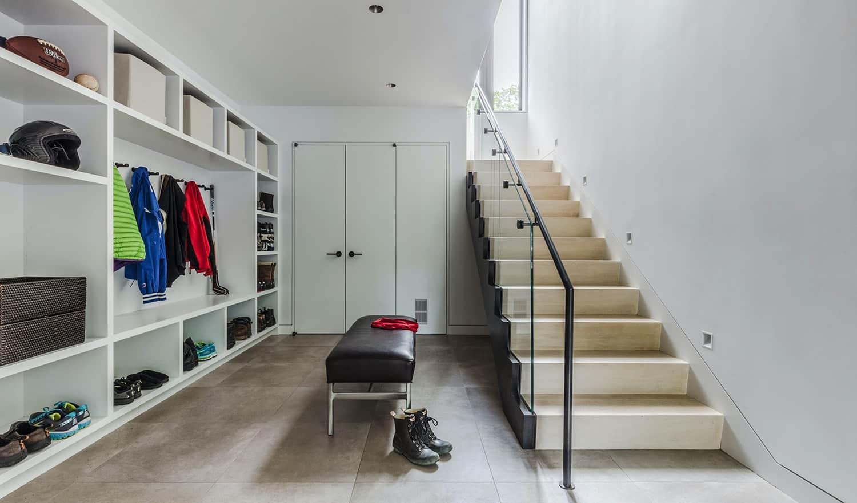 učinkovita-moderna-kuća-mudroom