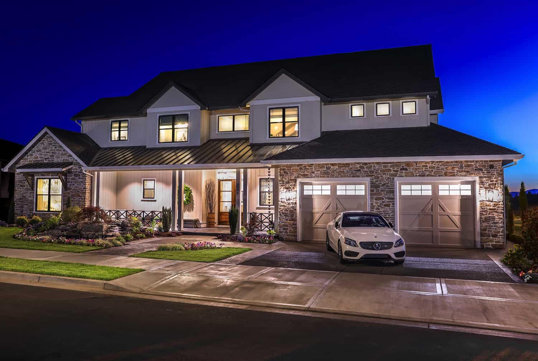 luxurious-farmhouse-exterior