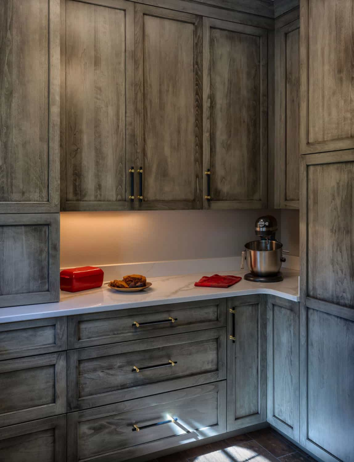 French-contemporary-pantry