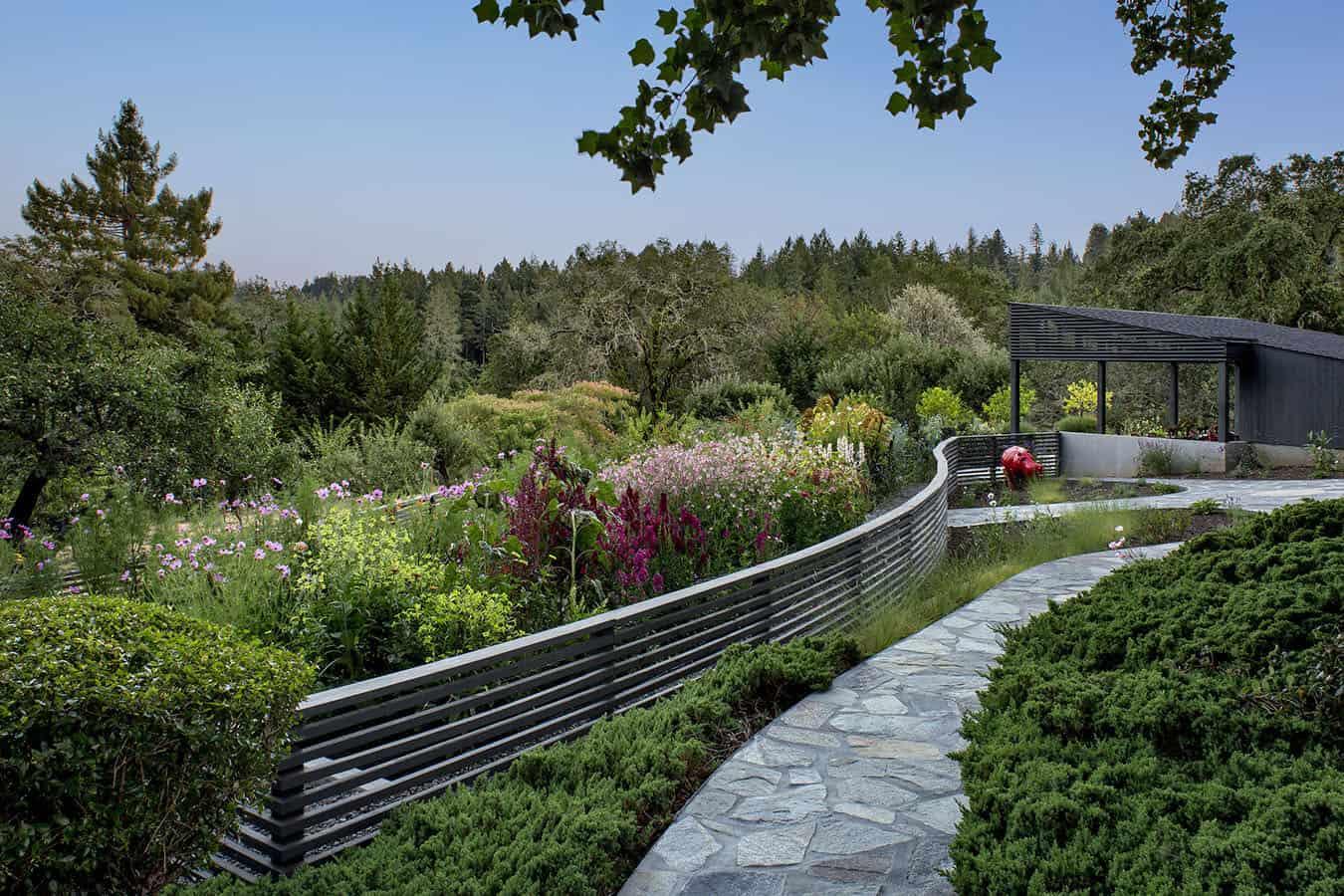 midcentury-home-garden