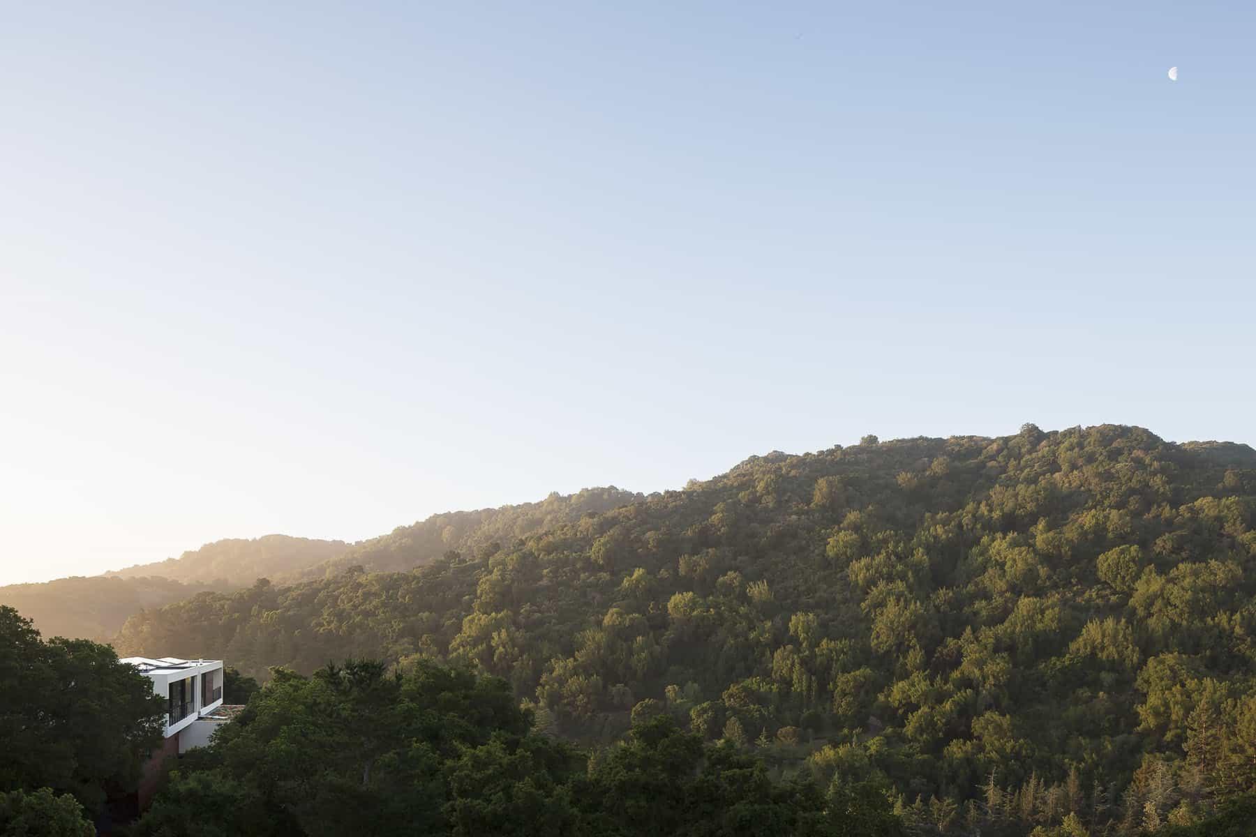 minimalistički-krajolik iz snova-kuće