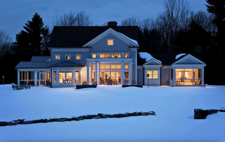 farmhouse-exterior-snow